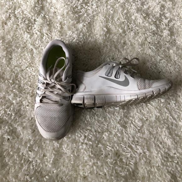 buy popular 6061a cb372 Nike Free Run 5.0 - All white
